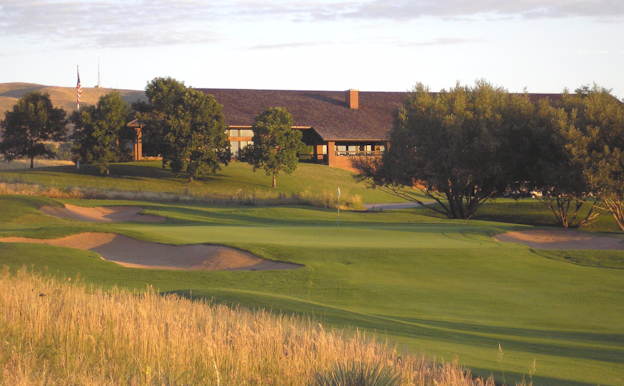 The Green at Sunset - Bear Creek Golf Club - Morrison Colorado